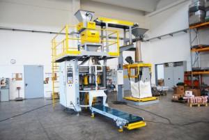 Líneas automáticas de ensacado sector de los pellets de madera Ensacadora IGF600 BOGATECNICA